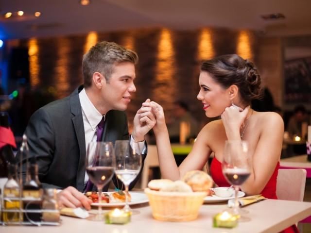 カップル レストラン デート